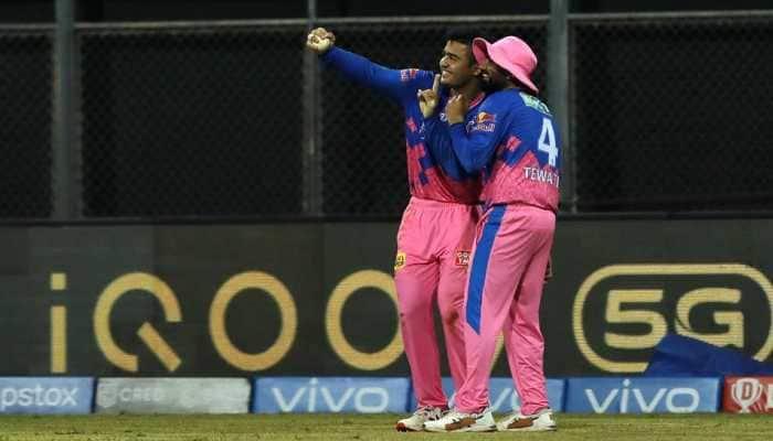 RR vs KKR: After Bihu, Riyan Parag introduces 'selfie' celebration in IPL, Rahul Tewatia joins - WATCH