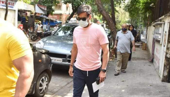 Ajay Devgn spotted outside Mumbai clinic, pics go viral!
