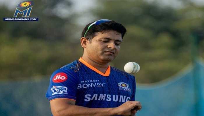 IPL 2021: Mumbai Indians spinner Piyush Chawla's father passes away due to COVID-19