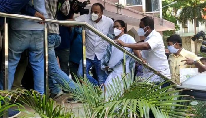 Mamata Banerjee stages protest at CBI office in Kolkata, violence erupts over arrest of TMC leaders