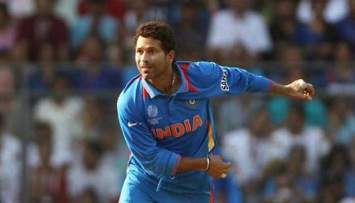 When Sachin Tendulkar brushed off pain and continued playing for two months with broken rib!