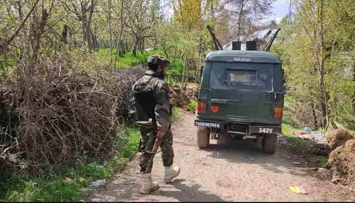 Encounter breaks out in Shopian's Ganapora in Jammu and Kashmir, 2-3 terrorists believed to be present