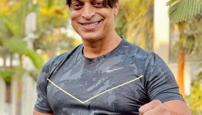 Shoaib Akhtar throws open challenge to THIS actor, promises to gift a motorbike if he can face six balls!