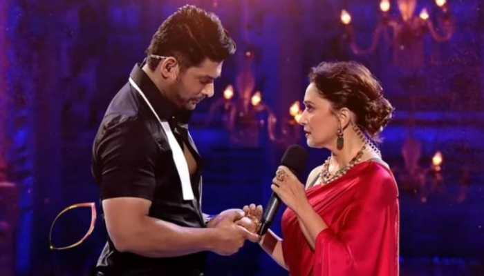Sidharth Shukla recreates 'Dil Toh Pagal Hai' scene with Madhuri Dixit on Dance Deewane 3 – Watch