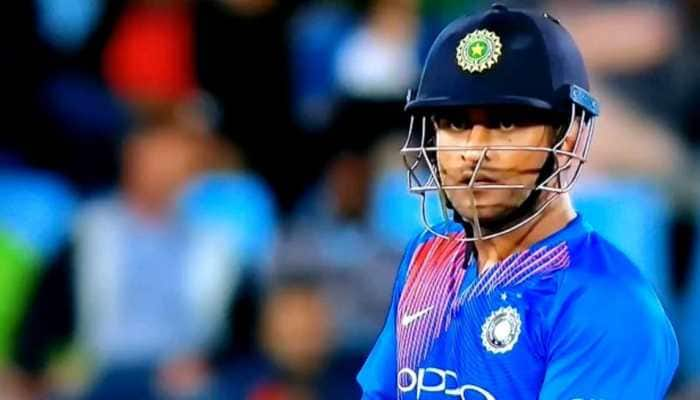 Throwback: When MS Dhoni was caught ABUSING Manish Pandey during a T20I - WATCH