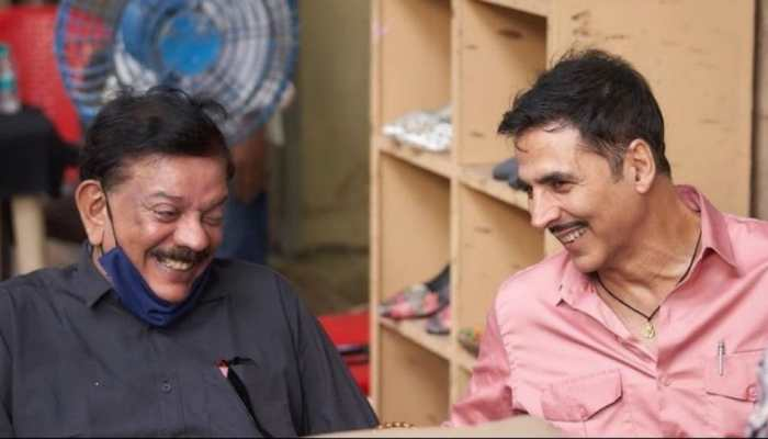 Akshay Kumar shares a happy picture with 'Bhool Bhulaiyaa' director Priyadarshan