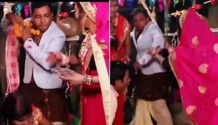 Dulhan faints at 'mandap', groom runs away, bizarre video leaves netizens in splits - Watch