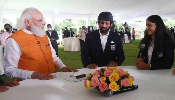 WATCH - PM Narendra Modi lifts up Vinesh Phogat's spirit after Tokyo 2020 heartbreak