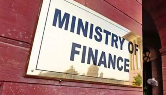 Finance Ministry reprimands Infosys chief Salil Parekh over glitches in e-filing portal