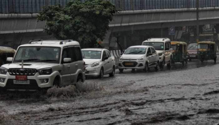 Traffic advisory for commuters - check out roads to avoid as heavy Delhi witnesses heavy downpour