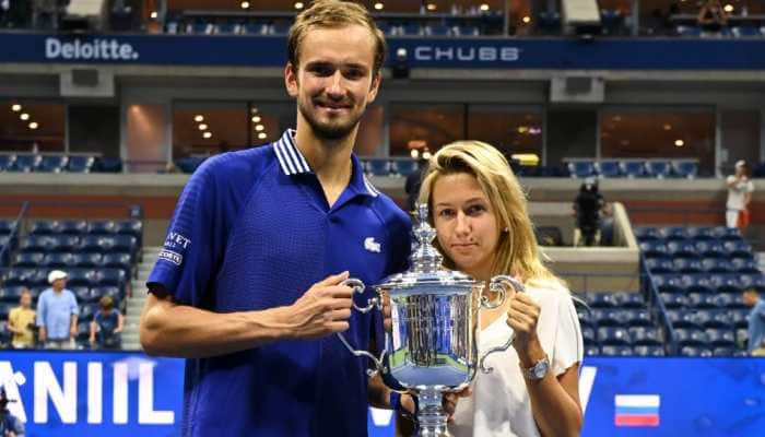 Daniil Medvedev presents US Open trophy to wife Daria on third anniversary, Watch viral video