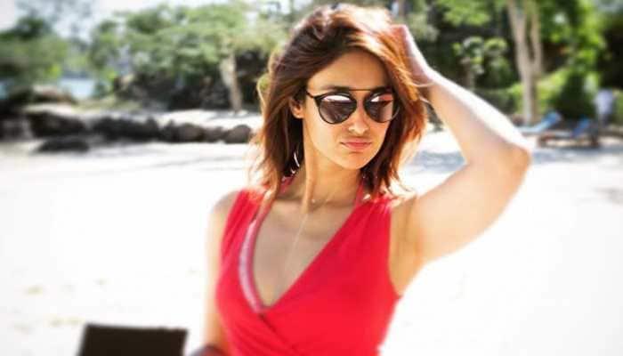 Ileana D'Cruz burns Instagram with her hot bikini photo, writes 'longing for sun days'!
