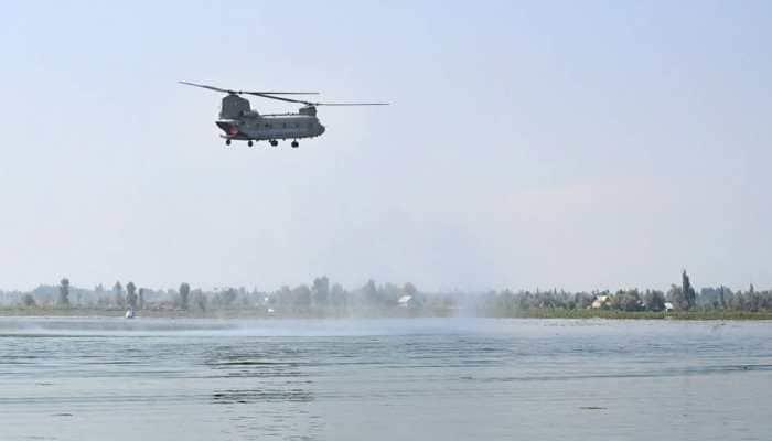 IAF's air show in Srinagar, Sukhoi, MiG21s, Chinook roar over Dal Lake - In Pics