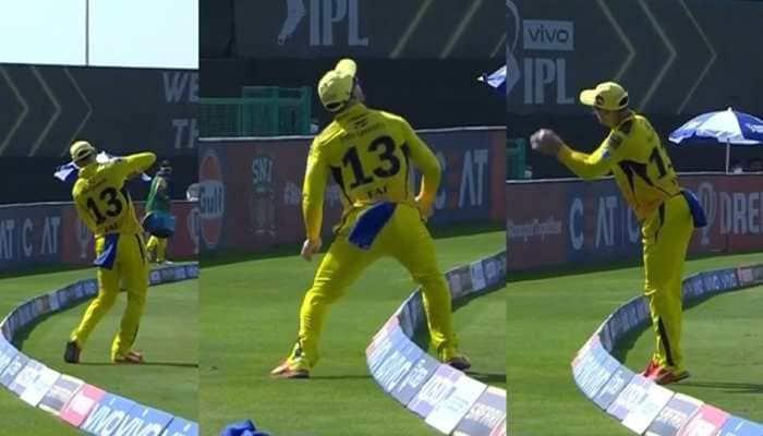 IPL 2021: CSK batsman Faf du Plessis takes a stunning catch despite bleeding knee - WATCH