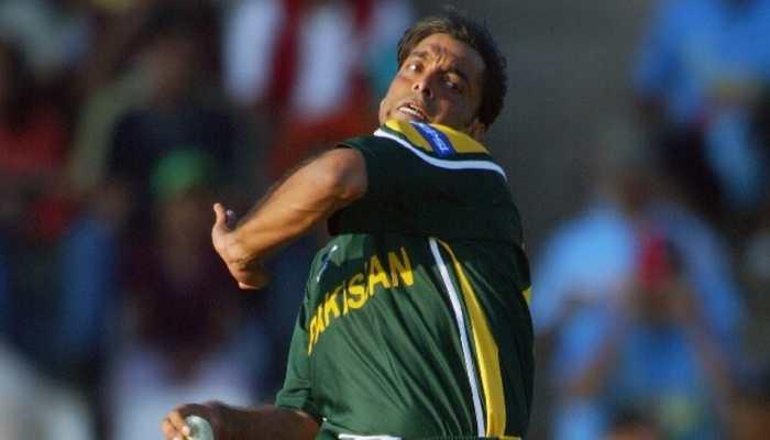 Pakistan legend Shoaib Akhtar bowls at Islamabad club, fans get nostalgic - WATCH