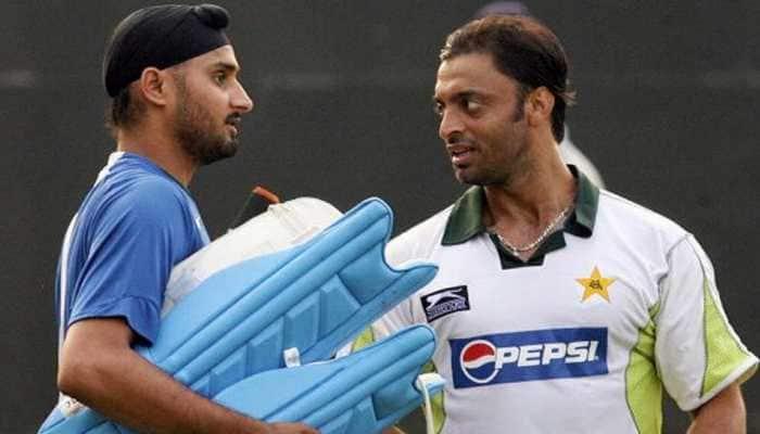 India vs Pakistan T20 World Cup 2021: Harbhajan Singh tells Shoaib Akhtar, 'Pakistan should give walkover to India'