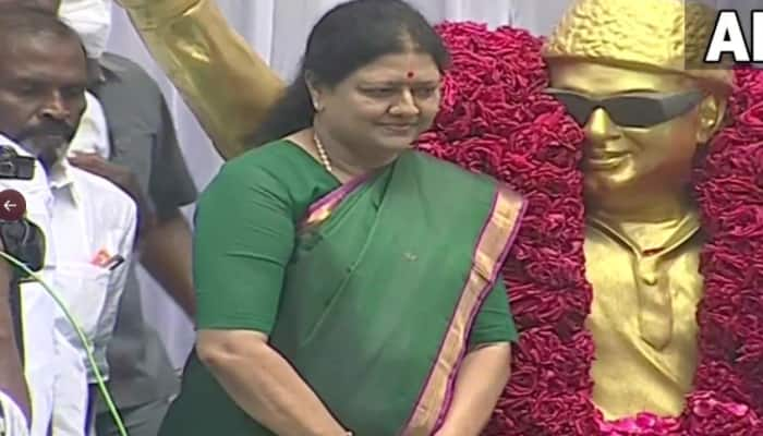 Sasikala paid floral tributes to AIADMK founder MG Ramachandran at Ramavaram, calls for party's unity