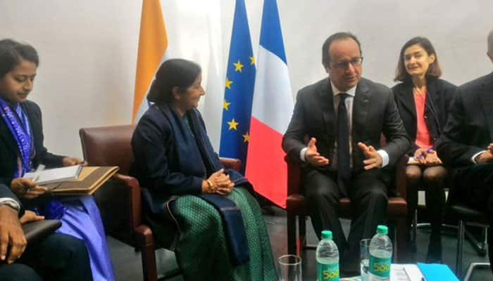 French President Hollande meets Minister of External Affairs Sushma Swaraj. Photo: Twitter/@MEAIndia
